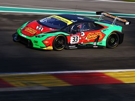 The Lamborghini Huracán GT3 wins at Spa and strengthens its leadership in the British GT