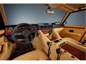 LM-002 interiors