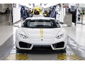Lamborghini RWD for Pope Francis in production line 07