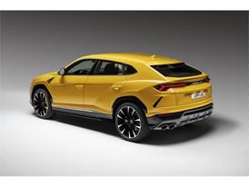 Lamborghini Urus 3-4 rear