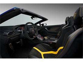 Huracan Performante Spyder interior