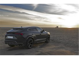 Lamborghini Urus at Los Angeles Beach
