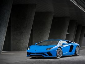 Aventador-S Blue 043