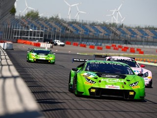 La Lamborghini Huracán GT3 del Grasser Racing Team si impone nell'ADAC GT Masters