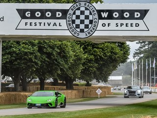 Lamborghini Centenario gibt dynamisches Debüt beim  Goodwood Festival of Speed 2017. Lamborghini zeigt Aventador S in spezieller Ad Personam Konfiguration