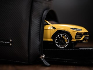 Collezione Automobili Lamborghini celebrates the Urus Super SUV with a special edition of co-branded personalized collections