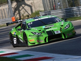 A Monza tripletta Lamborghini e leadership nel GT Italiano