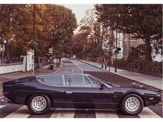 Lamborghini celebra i 50 anni dell'Espada a Londra al Royal Automobile Club e sulla mitica Abbey Road