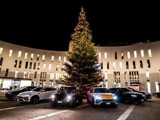 Lamborghini Christmas Drive: Urus und LM002 auf besinnlicher Reise nach Bruneck