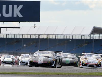 Jeroen Mul takes thrilling Race One in Silverstone Lamborghini Blancpain Super Trofeo