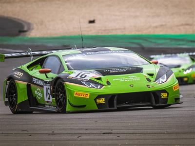 The Lamborghini Huracán GT3 wins the last round of the Blancpain GT Series Endurance Cup