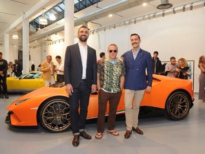 Automobili Lamborghini presenta la nuova Collezione Primavera Estate 2018 a Milano Moda Uomo