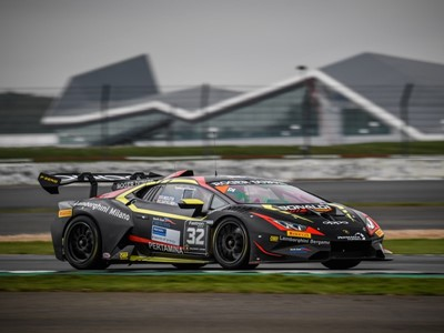 Lamborghini Super Trofeo Europe – Dramatic home victory for Middleton and Bartholomew in Silverstone