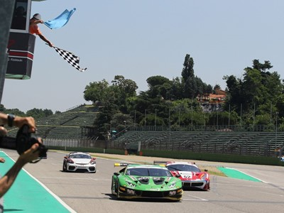 Postiglione and Mul strike late to claim victory in Italian GT Sprint