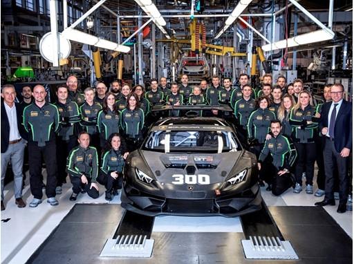 Lamborghini Squadra Corse staff Domenicali Reggiani Sanna