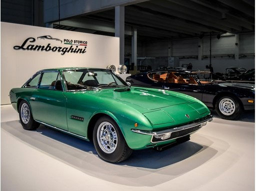 Lamborghini Islero (green) and Espada (blue)