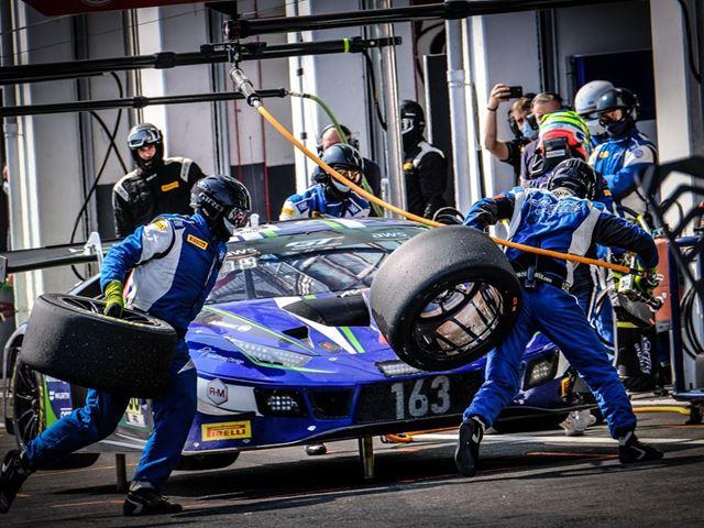 02. Lamborghini -Dynamic Pit-Stop