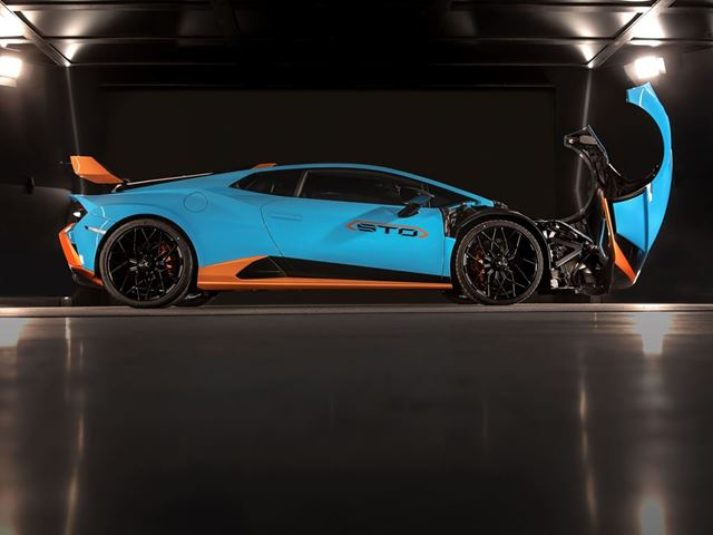 01. Lamborghini - Cofango