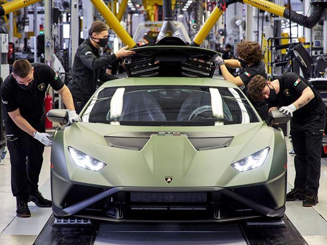 04. Lamborghini - Assembly Line N Components