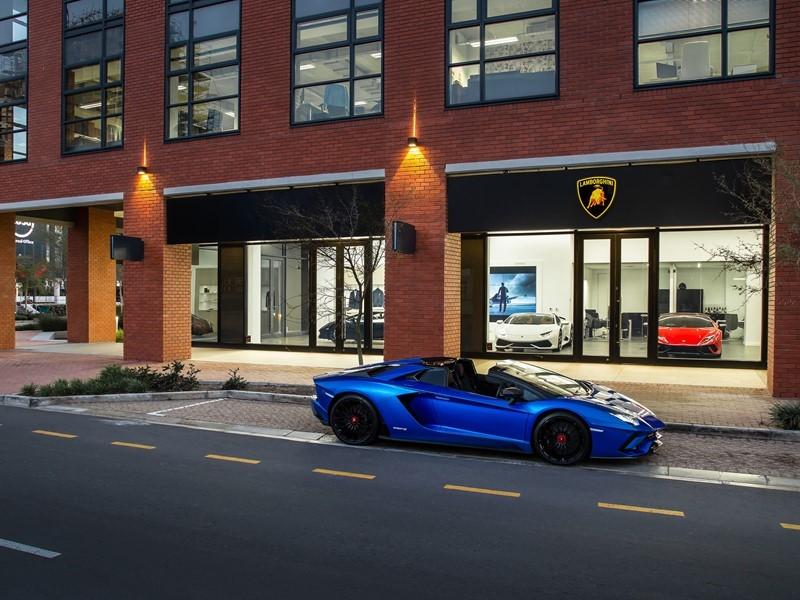 Lamborghini Media Center Automobili Lamborghini Opens New Showroom