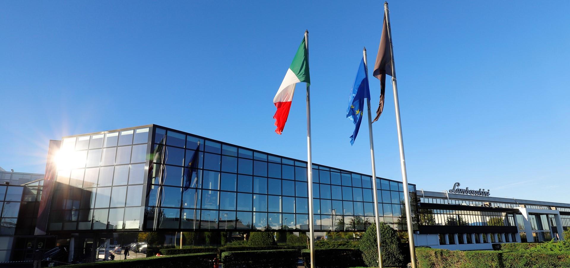 Automobili Lamborghini setzt seinen globalen Wachstumskurs..