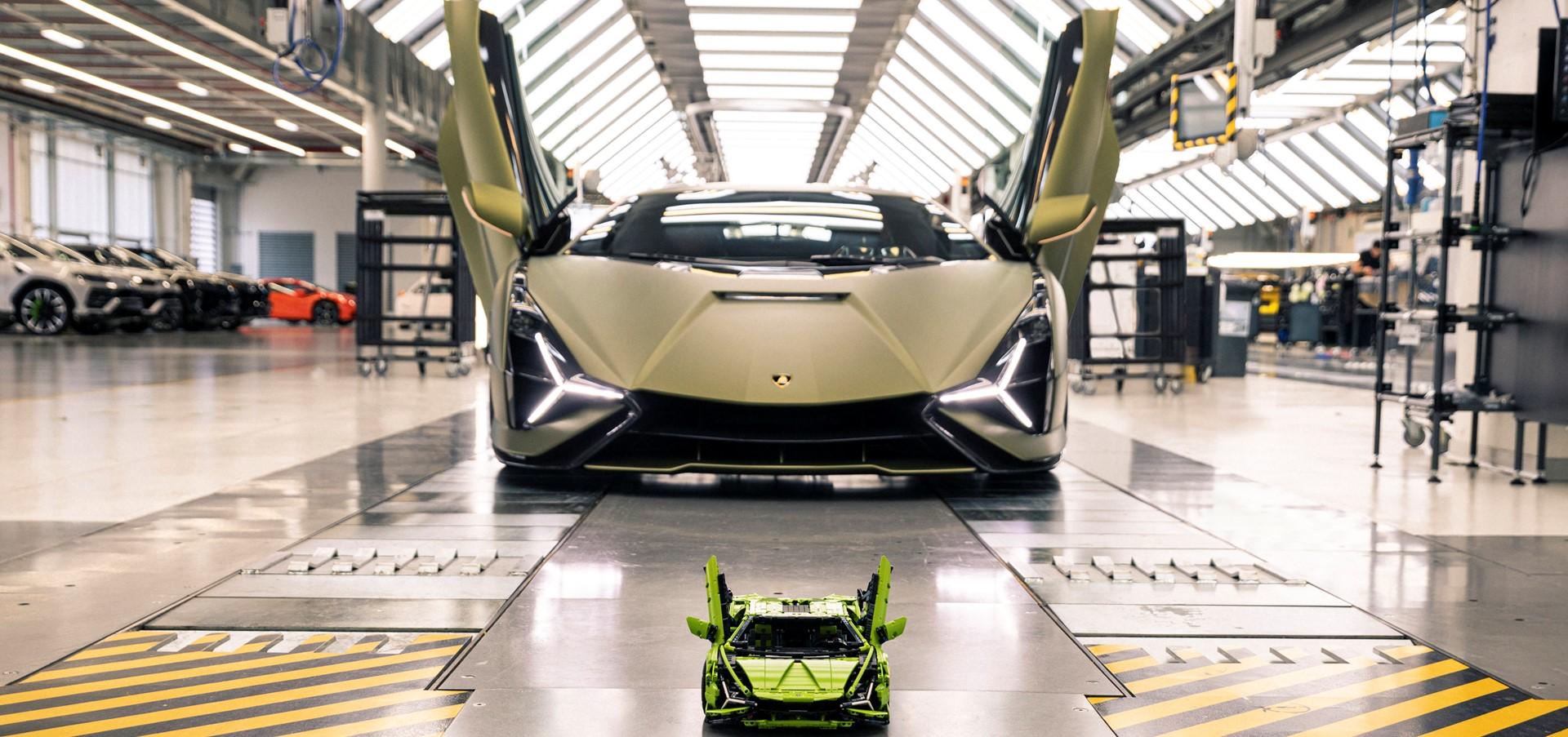 Automobili Lamborghini e LEGO Group ricreano la Lamborghini