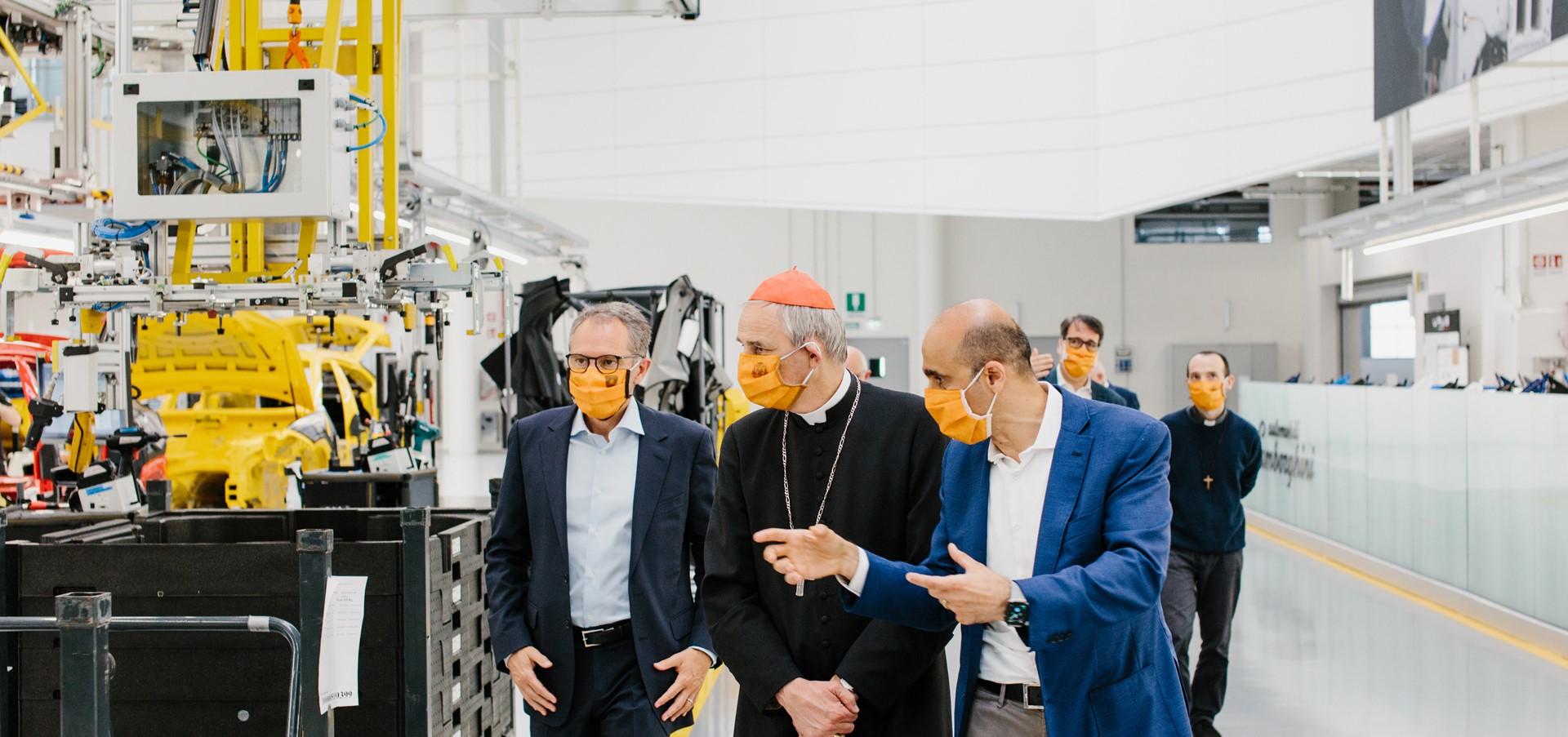 Il Cardinale Zuppi in visita alla Lamborghini