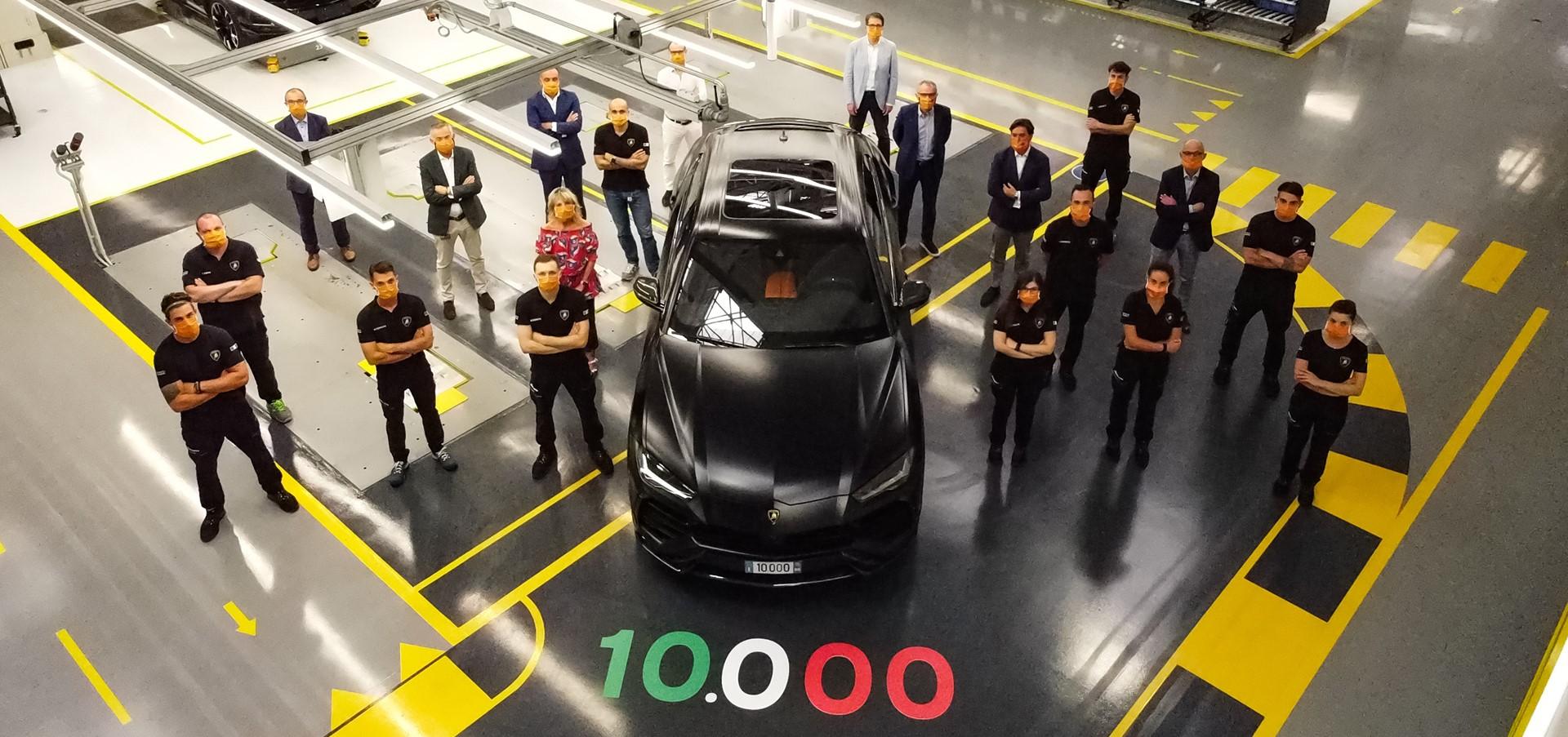 Automobili Lamborghini celebrates the 10,000th Urus