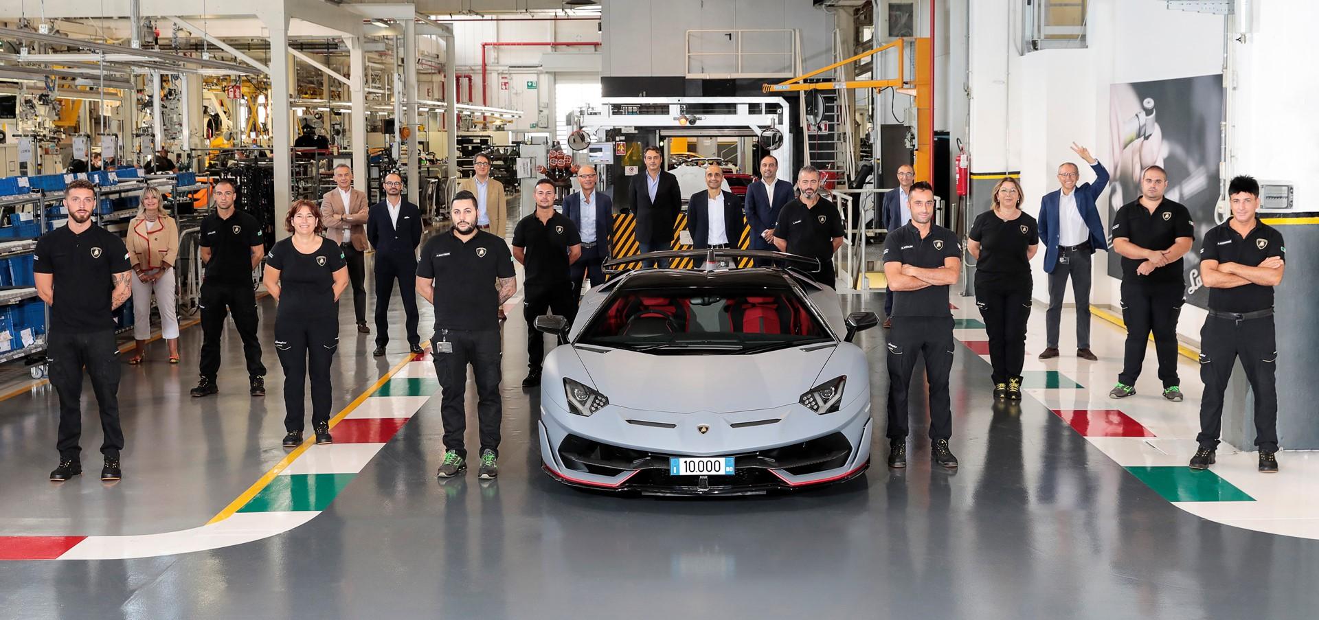 Automobili Lamborghini celebrates the 10,000th Aventador