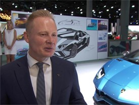 Mitja Borkert, Head of Centro Stile, presents the design of the new Aventador Roadster by the tape drawing  (German)