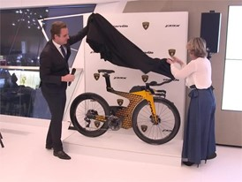 Lamborghini and Cervélo partner to launch a Limited Edition Triathlon Bike