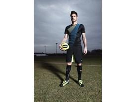 Olivier Giroud wears the new PUMA evoSPEED 1.2 FG