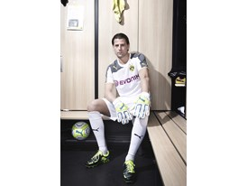 PUMA UNVEILS NEW BVB HOME SHIRT FOR 2013/14 SEASON- Roman Weidenfeller