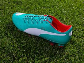 PUMA Launches New evoPOWER colorway_102942 12 - On Pitch 4