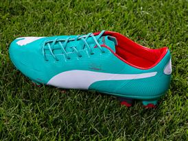 PUMA Launches New evoPOWER colorway_102942 12 - On Pitch 5