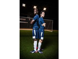 Mario Balotelli and Cesc Fàbregas Head to Head - evoPOWER 1.2 FG