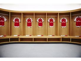 PUMA launches the 2015-2016 Arsenal Home Kit Product(1)
