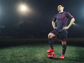 Sergio Aguero wears the new PUMA evoSPEED SL Football Boot_4