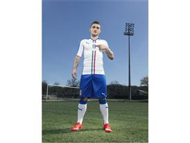 FIGC & PUMA Launch The New Italy Away Kit_Verratti_3
