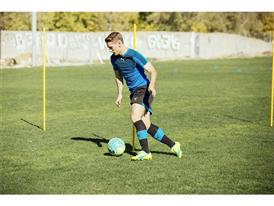 Antoine Griezmann wears the new evoSPEED SL