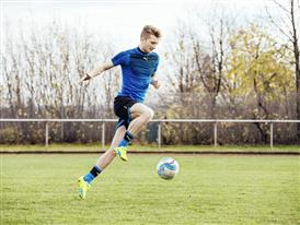 Marco Reus wears the new evoSPEED SL 3