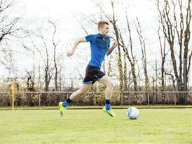 Marco Reus wears the new evoSPEED SL 6
