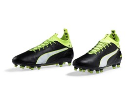 PUMA launches the new evoTOUCH boot_on White_1