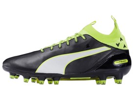PUMA launches the new evoTOUCH boot_on White_1_1