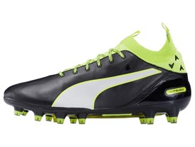 PUMA launches the new evoTOUCH boot_on White_2_1