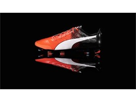 PUMA launches the new evoPOWER boot_on Black_3