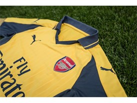 PUMA  2016-17 Arsenal Away Kit