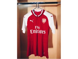 17AW_Social_TS_Football_Arsenal_Home-Kit_8