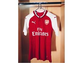 17AW_Social_TS_Football_Arsenal_Home-Kit_8