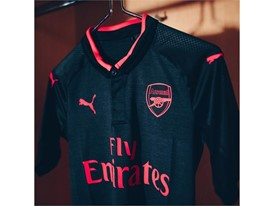 17AW_DIGITAL_TS_Football_Step-Out_xShirt-Only-Arsenal_1